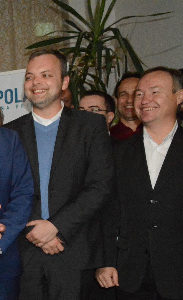 Noví starostovia po Polačekovom triumfe. Marcel Vrchota (vľavo) a František Ténai (vpravo).