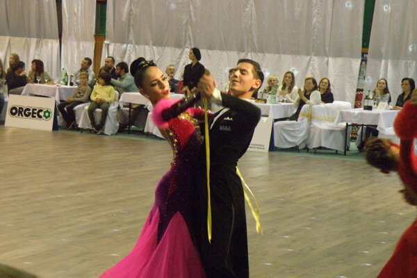 Novozámocký pár Tamás Kristóf Kis a Mária Nagyová v akcii na domácom VIVA DANCE FESTIVALE.