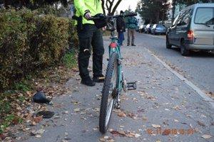 Cyklisti skončili s ťažkými zraneniami.