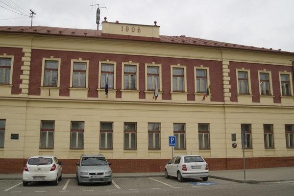Mestský úrad Hnúšťa.