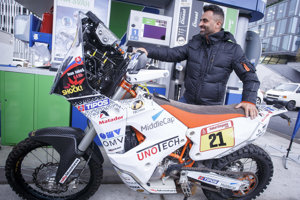 Motocyklový pretekár Ivan Jakeš predstavil novú motorku pred prestížnym podujatím Rely Dakar 2019.