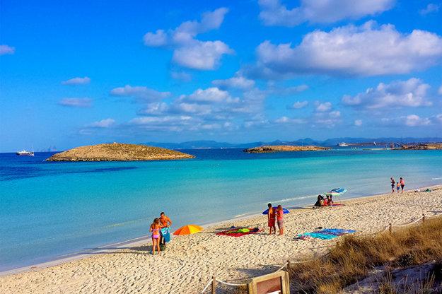 Pláž Ses Illetes na Formentere, najmenšom z Baleárskych ostrovov.