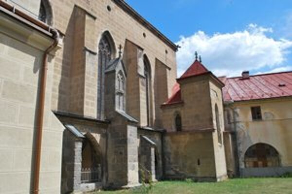 V Hronskom Beňadiku pôsobili benediktíni.