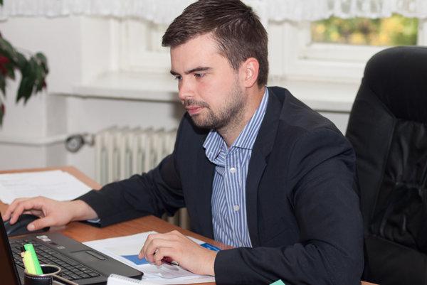 O Martinovi Cimrákovi malo rozhodnúť mestské zastupiteľstvo, nie viceprimátorka Marta Balážová, rozhodla prokuratúra.