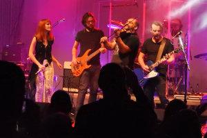 Plný Spoločenský pavilón rozpumpovala aj obľúbená domáca kapela.