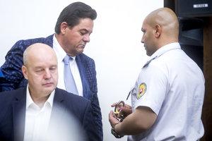 Zadržanie Mariana Kočnera na Najvyššom súde.