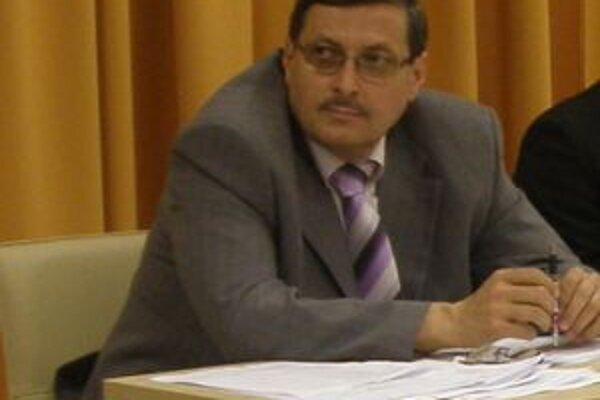 Miroslav Holba je v mestskom zastupiteľstve jediný nezávislý poslanec.