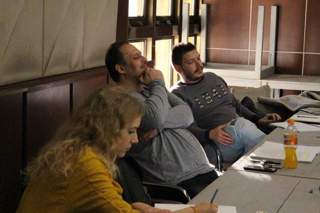 Andrea Sabová, Branislav Matuščin a režisér Matúš Bachynec.