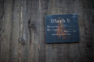 Blok v koncentračnom tábore.
