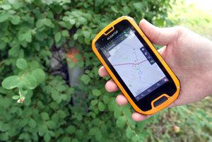 Ženy sa záchranárom podarilo lokalizovať pomocou GPS.