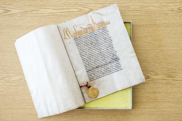 Kráľ Matej Korvín  v roku 1464 Zlatou bulou bratislavskou potvrdil dovtedajšie privilégiá. Dnes sa dokument nachádza v Archíve mesta Bratsialva.