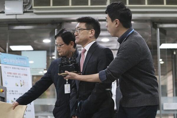 Lee Jae-su (v strede)