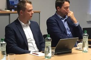 Matej Šanta (vľavo) a hovorca ČEZ-u Roman Gazdík.