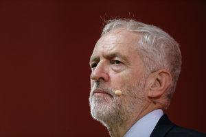 Líder  britskej opozície a predseda Labouristickej strany Jeremy Corbyn.