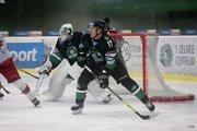 Hokejisti MHC si vpiatok zaknihovali víťazstvo proti Liptákom na žilinskom veľmi nekvalitnom ľade.