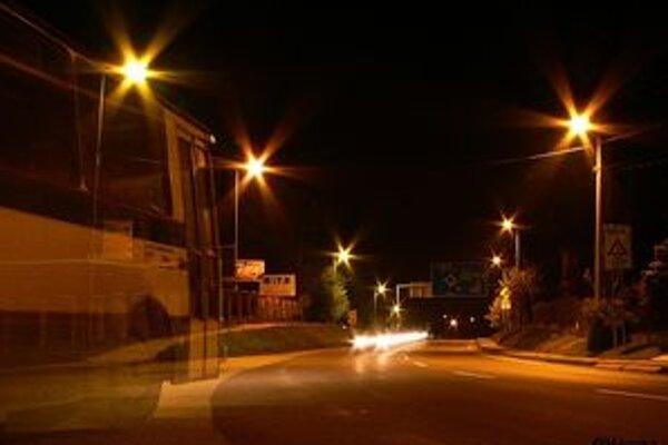 Osvetlenie v meste chcú rekonštruovať.