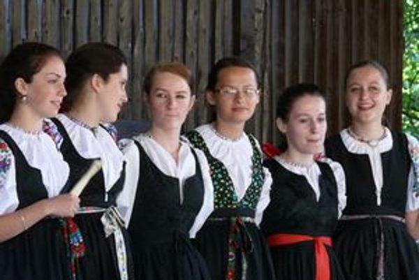 Speváčky z Lysej.