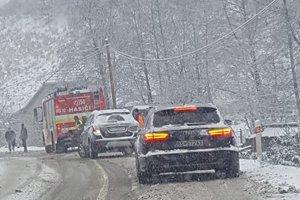 Užívateľ Facebooku Dávid upozornil motoristov na nehodu v Banskej Belej.