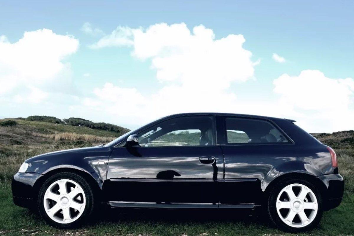 Na predaj je prvé auto Cristiana Ronalda za 20-tisíc eur 5525861abcc