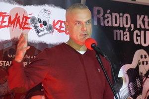 Jaro Slávik predviedol v Čadci stand up vystúpenie.