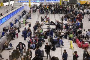 Odletová hala londýnskeho letiska Gatwick