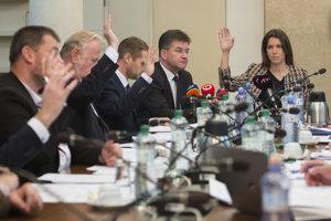 29. novembra. Parlament odmietol, aby sa Slovensko podpísalo pod globálny pakt o migrácii.