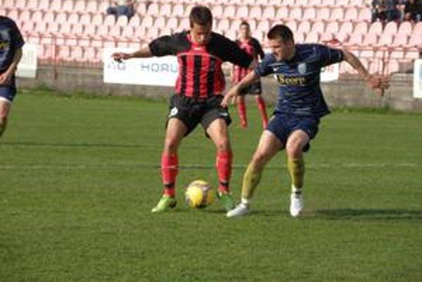 Vanák (vľavo) dal vedúci gól Púchova proti Michalovciam.
