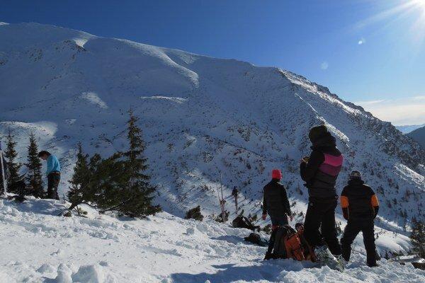 Skialpinisti môžu predpísané trasy v Žiarskej doline využívať do 15. mája, ak to snehové podmienky dovoľujú.