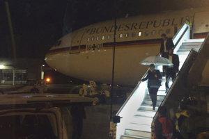 Lietadlo smerovalo z Berlína na summit skupiny G20 v argentínskej metropole Buenos Aires.