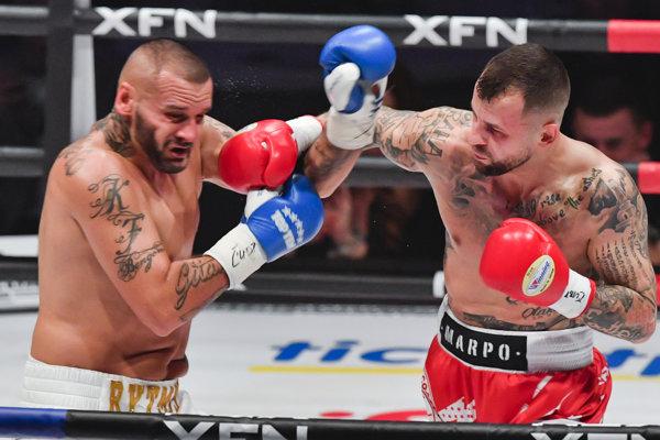 Patrik Vrbovský sa postavil prvý raz do boxerského ringu. Súboj s Čechom Otakarom Petřinom prehral.