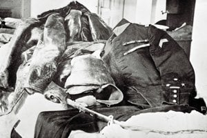 Štefánikova letecká uniforma, ktorú mal oblečenú pri leteckej nehode 4. mája 1919.