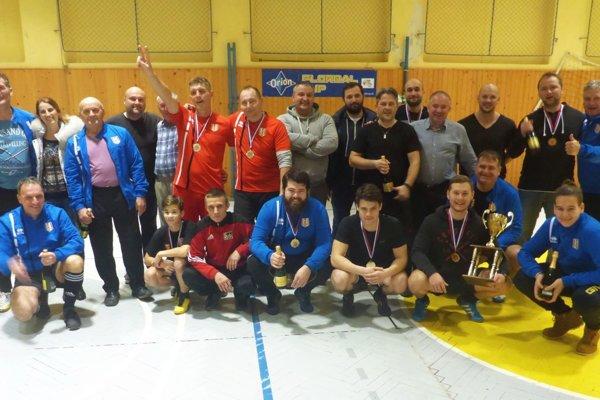 Účastníci turnaja v Červenom Hrádku.