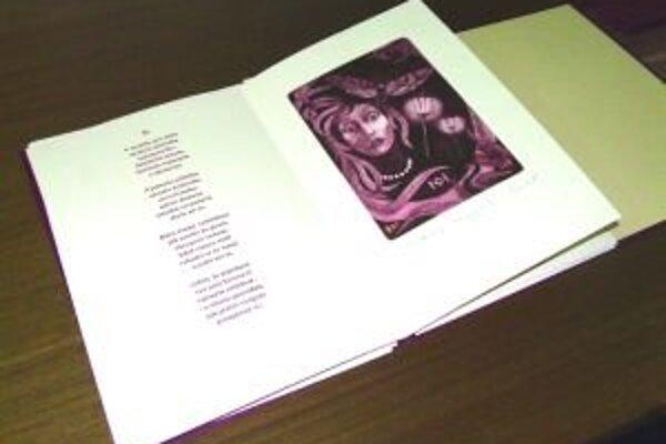 Najdrahšou knihou v knižnici je bibliofília Karel Kryl, veľké grafické listy namaľoval žilinský grafik Igor Cvacho, osobný priateľ českého pesničkára. Knihu vlastnoručne Karel Kryl podpísal
