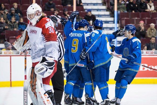 Hokejisti Kazachstanu zdolali v prvom zápase o udržanie Dánsko.