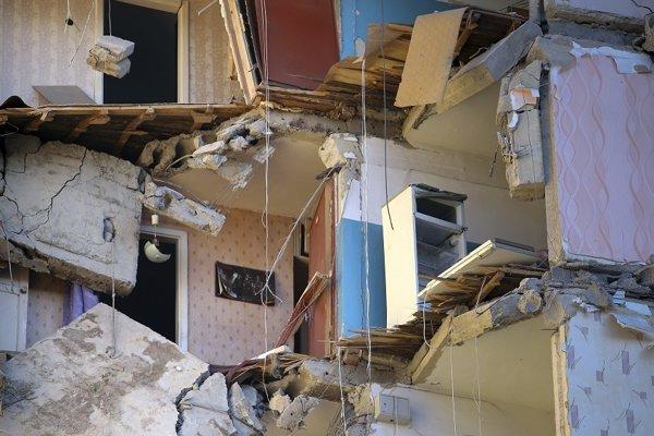 Zničená budova v Magnitogorsku po výbuchu plynu.