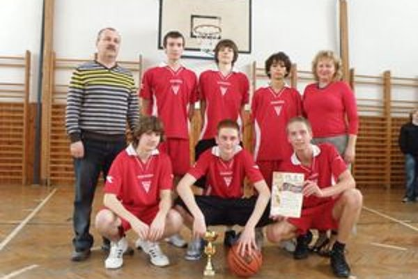 Víťazný tím ZŠ Slovenských partizánov Považská Bystrica