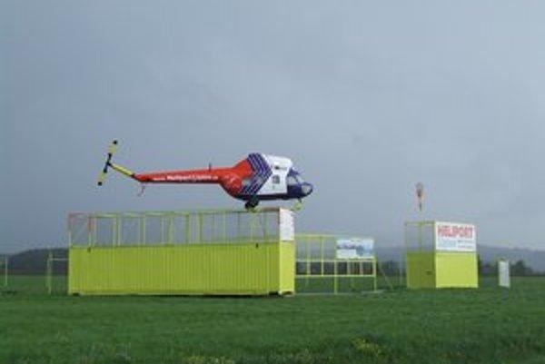 Z provizórnej pracovnej plochy môžu vrtulníky pri dodržaní leteckého zákona bez problémov lietať ďalej.