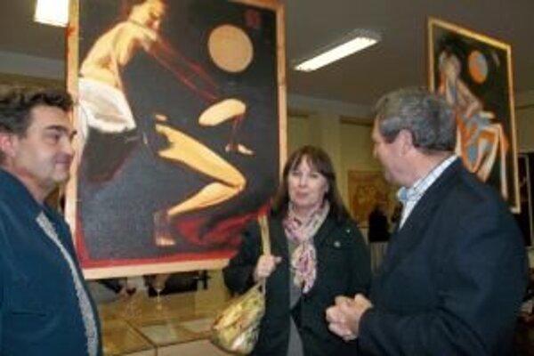 Výstava Pavla Petráša ml. (vľavo) potrvá do konca júna.