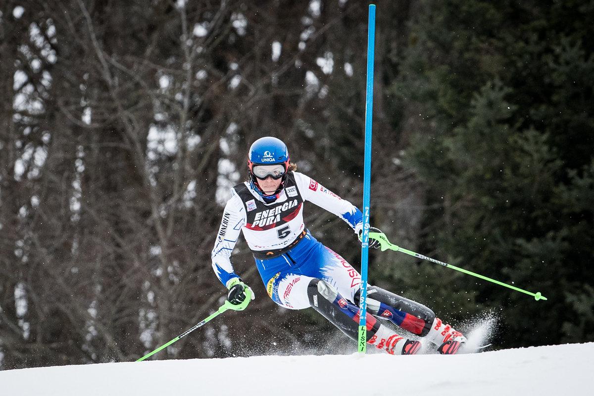 Petra Vlhová počas prvého kola pretekov svetového pohára v slalome žien v  chorvátskom Záhrebe. c7d3c4c793
