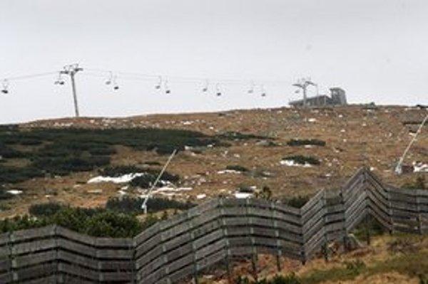 Časová schránka sa nachádza vo vrcholovej stanici lanovky na Chopku.