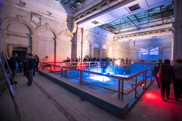 Pohľad na súčasný stav bývalých kúpeľov Grössling na Vajanského nábreží v Bratislave.