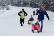 Zimná sánkovačka spojená s pretekmi o cenu Prievalca prilákala v sobotu do obce Liptovská Lúžna množstvo detí a dospelých