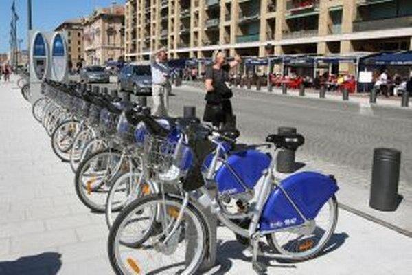 Lacný spôsob dopravy šetrný k životnému prostrediu chcú občianski aktivisti zaviesť v Ružomberku podľa vzoru moderných európskych miest.