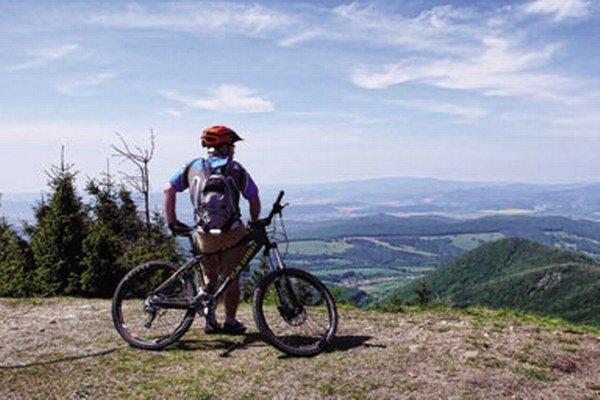 Ničím nerušená cyklistická cesta okolo Tatier by sa mohla stať účinným magnetom na prilákanie veľkého množstva návštevníkov.