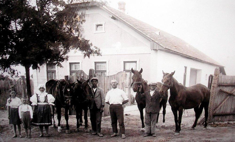 Historická snímka z Rastislavíc.