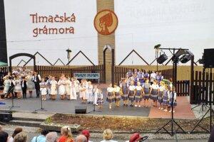 Tlmače žili folklórnym festivalom Tlmačská grámora.