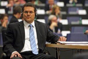18. január 2010. Dezignovaný slovenský komisár Maroš Šefčovič sa v Štrasburgu podrobil vypočutiu v Európskom parlamente, na základe ktorého europoslanci rozhodnú, či ho odporučia ako člena novej Európskej komisie.