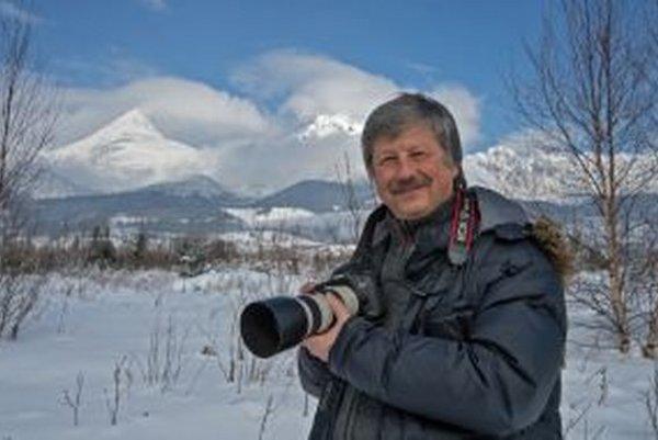 Celoživotným dielom Ľubomíra Schmidu sú fotografie, na ktorých zachytáva živly zeme: vodu, oheň, vzduch a zem.