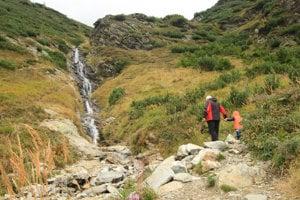 Šarafiov vodopád je blízko chaty