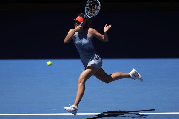 Maria Šarapovová v zápase 1. kola Australian Open proti Harriet Dartovej.